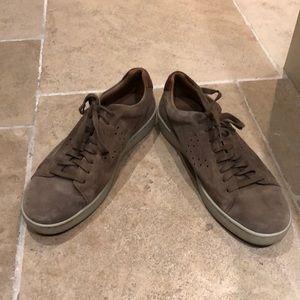 Great color men's Vince sneakers sz 13